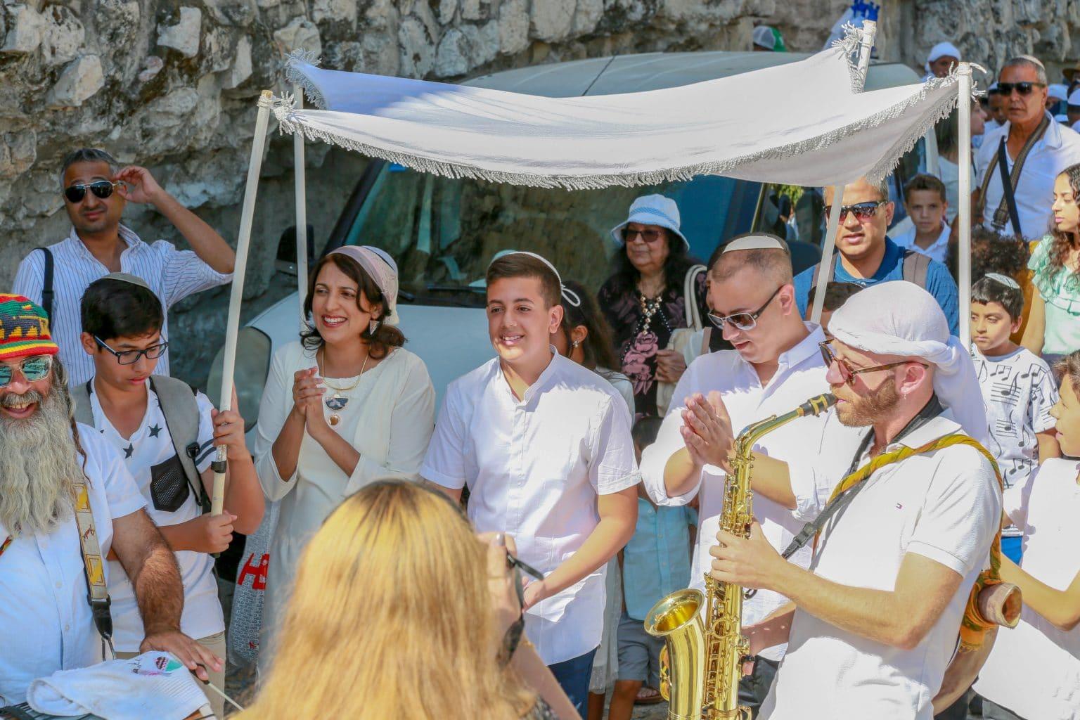 תמונה אנשי מפתח בטקס בר מצווה בכותל