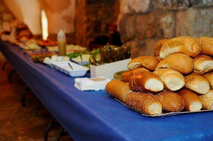 ארוחת בוקר בקבר דוד