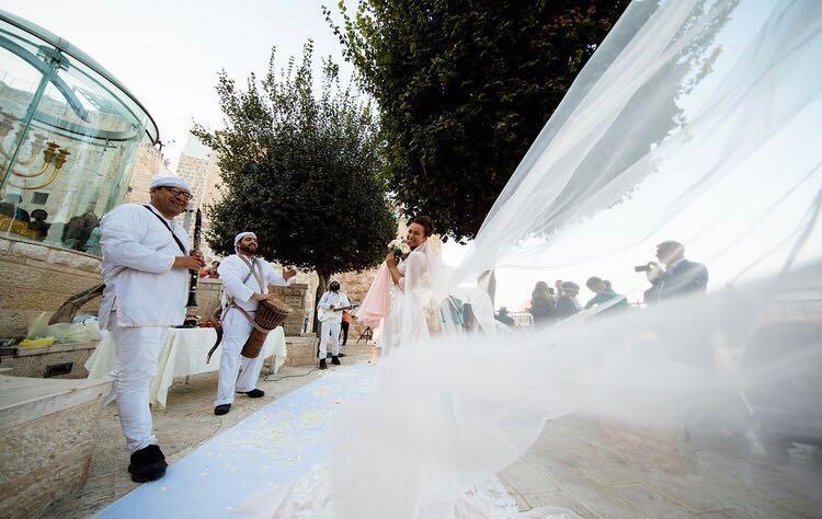 תמונות חתונה ברחבת הכותל