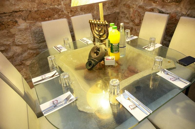 מסעדה בכותל