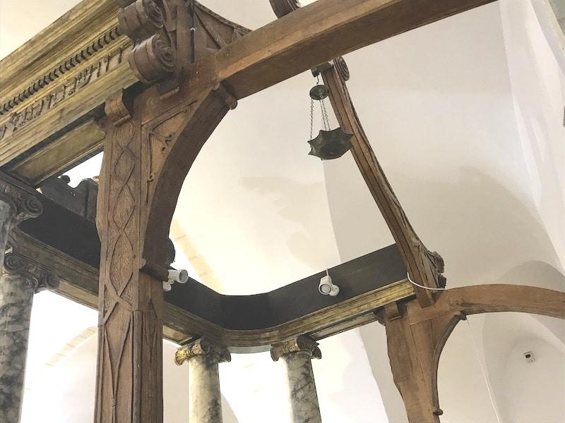 ארון הקודש בבית כנסת איסטנבולי